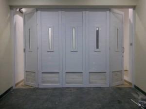 menjual pintu garasi upvc rel wina