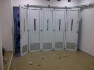 pintu garasi upvc tampak dalam