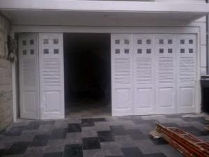 pintu garasi henderson