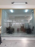 Pintu double swing frameless