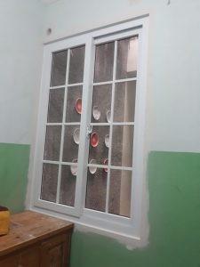 jendela sliding 2 daun menggunakan lis regal