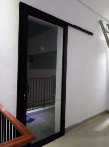 pintu sliding 1 daun upvc hitam