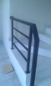 railing tangga besi