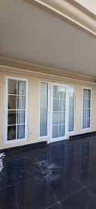 pintu swing upvc engsel 3d dan lis regal